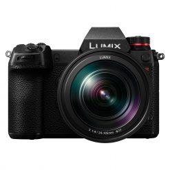 Panasonic Lumix S1R + 24-105